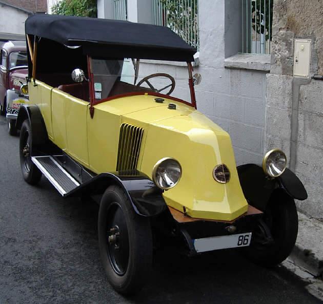 Renault 6 CV Nn